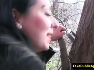Tchèque nana cumswallows fake agents spunk, porno 77