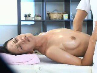 妻子 作弊 同 她的 masseur 视频