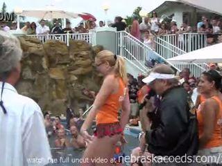 Nudismo troca de casais piscina festa key west
