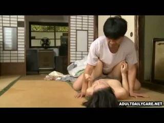 יפני בית עוזרת בית 001
