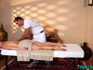 Het blondes oily massagen