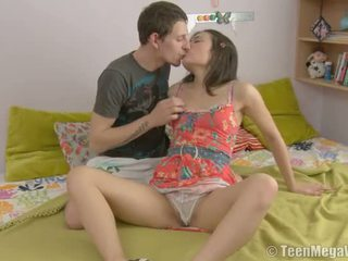 Smut một teenaged beauty