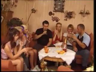 Deutscher porno 17: bezmaksas hardcore porno video 94