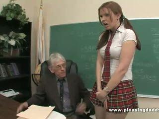학생 fucks 험악한 늙은 선생 에 패스 클래스