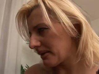 Italialainen äiti knows mitä kohteeseen tehdä video-