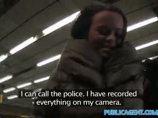 Publicagent ticket inspector fucks sebuah passager dengan tidak ticket
