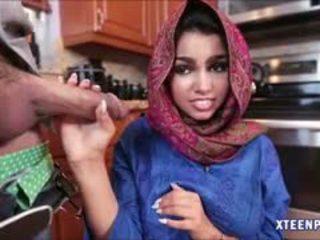 Arab hottie ada gets ji kočička filled s warm cumload