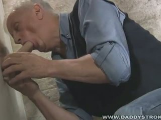 Mature Suck A Big Cock At The Glory Hole