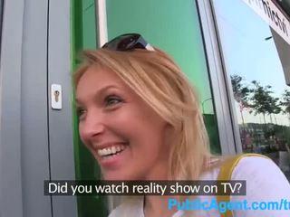 Publicagent ta gets spit-roasted outdoors kuni saama tõeline tv töö