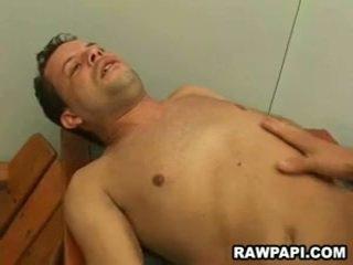 Homo barebacking z yummy sperma unloading