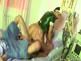 Video di infermiera has sesso con dude