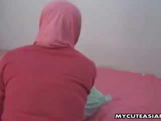 Ganska arabiska baben being körd så hård i henne fittor.