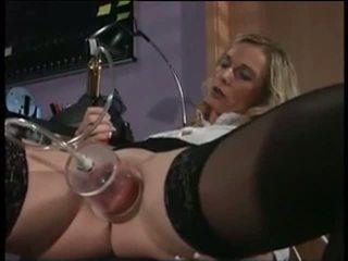 Meu sexy piercings enfermeira com pierced pumped cona sexo