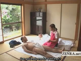 Subtitled cfnm japonské caregiver elderly človek robenie rukou
