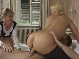 blondiner, stora bröst, tappning