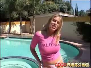 Krūtinga blondie porno žvaigždė daphne rosen teasing mums su jos didelis