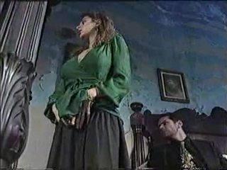 Sexy pollastrella in classico porno film 1