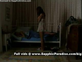 Delores ja jo pärit sapphic eroticalesbian tüdrukud teasing