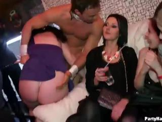 Knockout babes zkurvenej the male strippers