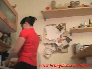 Amatur isteri dubur fisted dalam yang dapur