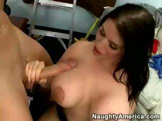 Breasty daphne rosen blowing en största kuk och receives henne tuttarna körd