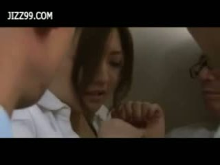 Beauty অফিস ভদ্রমহিলা বুক্কা কঠিন পরিশ্রম মধ্যে elevator
