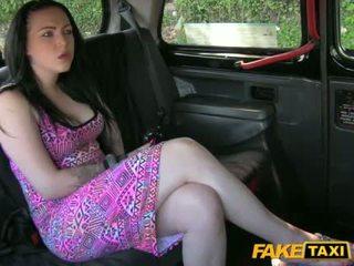 Sexy babe harmony banged voor een gratis fare