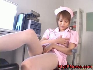 भयानक एशियन नर्स has खिलौना penetration