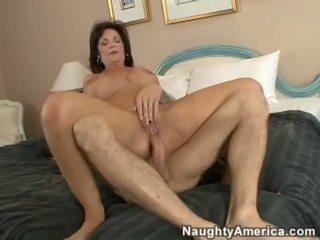 Seksi 10 pounder menggesek bagian tubuh pasangan jenis milf deauxma gets sebuah creamy kacau cumsplash