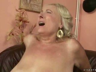 Bystiga fett mormor knull ung kuk