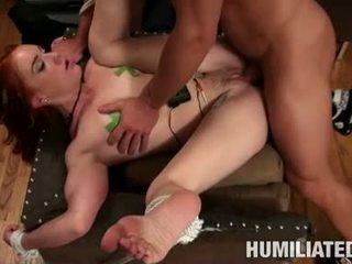 Dani jensen אדום זה guyad giving a קשה gam ל a סקסי dude
