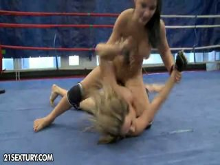 Nudefightclub presens aleska diamond vs lana s.