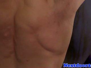 Gaysex muscle jock wanking em o ginásio