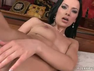 Fuck Her Pussie With A Big Toy