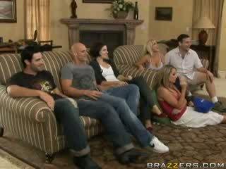 Tình dục hoạt động giữa gia đình members