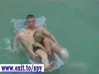Spying mi niece y su bf en la playa vídeo