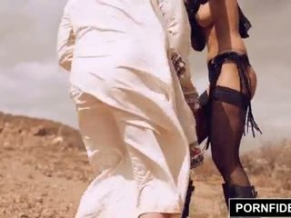Pornfidelity karmen bella captures hvit kuk <span class=duration>- 15 min</span>