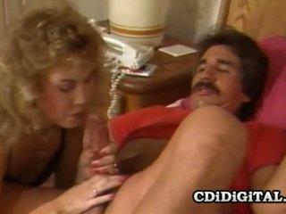Sheena horne ja blondie bee kiimas seks olukord