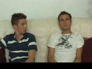 Aiden & sean having homosexual sesso su il sofa homosexual porno 4 da gotbroke