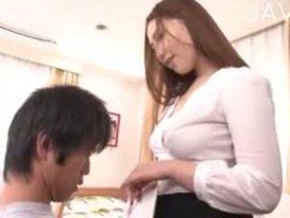 japonec, veľké prsia, striptíz
