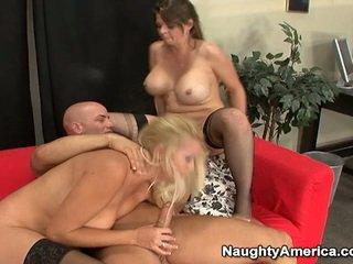 Oustanding tittie blondýnka milfs mít erotický 3 někteří nearby sons mate