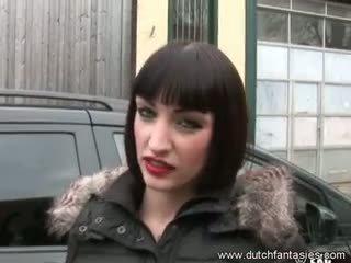 Gros seins hollandais filles faim pour sexe