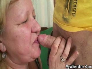 Manželka finds ju človek jebanie oustanding grandmother