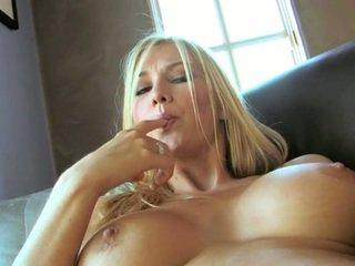 Perfekt blond blake rose mit groß melonen und lange beine