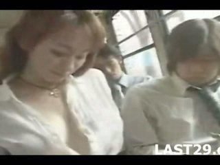 Awtobus seduction in japan