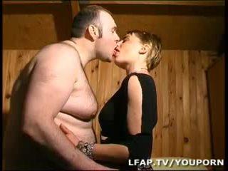 Amatrice блондинки а la chatte poilue sodomisee par син mari