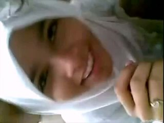 Ilus indoneesia tüdruk gives suhuvõtmine