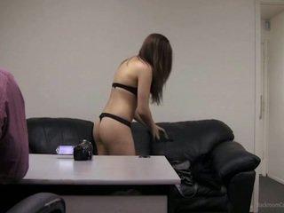 Voida minä ottaa minun clothes pois?