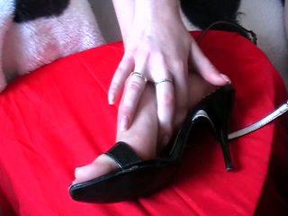 Voetjob sperma schoenen video-