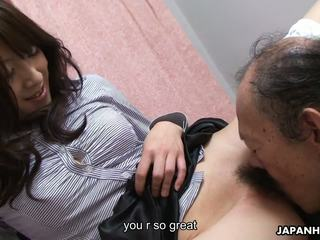 Vana mees on eating et märg karvane teismeline tussu üles: hd porno 41